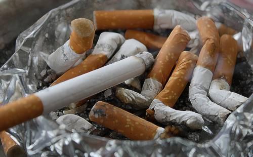 Donna francese riceve i polmoni di una fumatrice e muore di tumore
